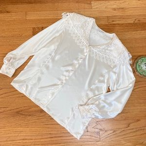 Vintage 80s Lace Collared Satin Blouse 12 🎀✨